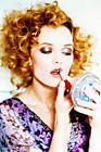 Ванесса Паради (Vanessa Paradis) в фотосессии Эллен фон Унверт (Ellen von Unwerth) (2002).